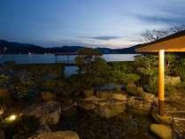 【露天風呂】東郷湖の目の前にある露天風呂☆