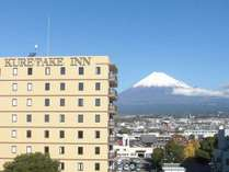ホテルと富士山♪