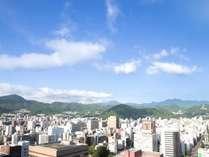 高層階から山側の景観
