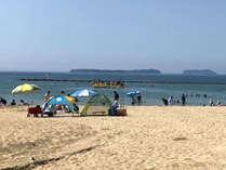 【菊ヶ浜】お子様連れにも人気の海水浴場・菊ヶ浜まで徒歩5分。水着で行ける距離です。