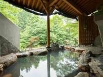 *露天風呂一例/泉質は源泉100%、お肌がつるつるになると言われている美人の湯です。