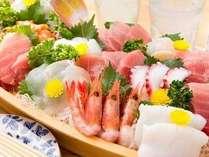 地魚の舟盛り(例)舟盛の無いプランから舟盛への変更は、お一人1000円UPです。前日までにご連絡下さい。