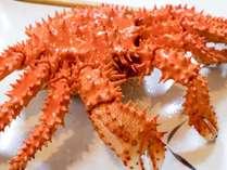◆【別館:夕食】浜茹で花咲ガニは、産地であるここでしか食べられない濃厚な味わいです!