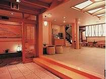 三朝の格安ホテル 木造りの宿 橋津屋