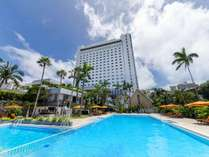 【外観】那覇空港から車で約30分。世界遺産『首里城』に一番近いホテル。