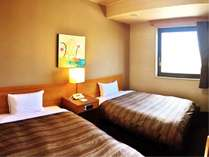 ふたりで快適なツインルーム 全ての客室でWOWOWをご覧いただけます。
