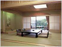 和室特別室:お子様連れファミリーのお客様、ベッドが苦手なお客様にも最適♪