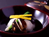 京会席一例:京野菜をふんだんに使用している、伝統的な京会席をお楽しみくださいませ。