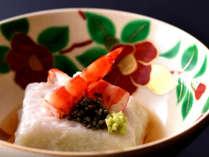 京会席一例:旬の食材を料理長が丹精込めておつくりしております。