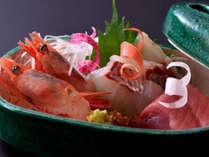 京会席一例:その日に一番美味しい旬の食材をご用意しております。