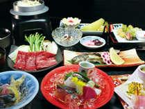 【ご夕食(一例)】地元の食材をふんだんに使った月替わりの夕食です。