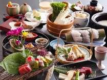 季節の素材をちりばめた季節のお会席料理をお楽しみください。(画像は9月~11月のイメージです)