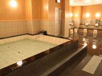 【大浴場】こちらは女性用。広々としたお風呂でゆったりバスタイムを♪