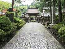 西禅院の境内へと続く門