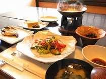 *【朝食一例】ほっこり落ち着く朝食♪バランスよい献立で一日の栄養をサポート!