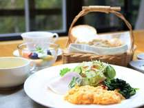 朝食は、日替わりで洋食か和食のどちらかになります。