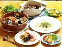 お夕食 全体一例 その時の旬の食材を使ってご提供しております。