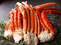 【夕食・バイキング/一例】蟹も食べ放題!