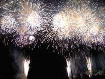 夏はたくさんの花火大会が催されます!