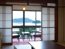 *客室一例 ゆったりくつろげる和室。鳥羽のシンボル『三つ島』をごらんいただけるお部屋もございます。