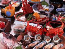 変わり伊勢海老料理2品と鯛の舟盛りなどがついたお得な平日プランの夕食(イメージ)