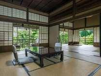 【晴旭】大正時代の岩崎家別荘をそのまま残したお部屋です。
