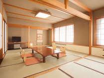 【和室15畳】グループ旅行や家族旅行にオススメの15畳の大部屋(バスなし)