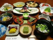 家庭的な味わいのある京料理の夕食(一例)