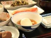 朝食~温泉玉子&焼き鮭~
