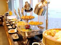 ≪ディナービュッフェ≫地元の美味しさを存分に味わってください。