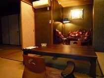 檜風呂露天風呂付大正ロマンの落ち着いた和洋室