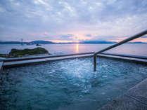 露天風呂から眺める朝日