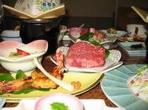 当館で一番人気の牛フィレ肉の陶板焼きは柔らかで美味です。