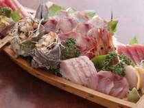 地魚舟盛り料理例季節によって内容が異なります。(2名盛り)