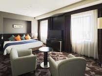 【客室】デラックスダブル・部屋広さ…34㎡・宿泊人数…1~2名・ベッド幅…180cm