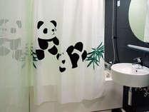 パンダルームは  シャワーカーテンもパンダでいっぱい♪