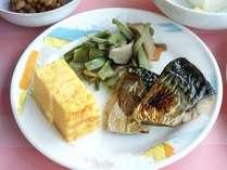 朝食バイキングの和食料理例