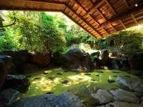 5ヶ所ある貸切湯の一番人気は『大石の湯』です。宿泊者はもちろん無料で使えます。