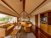 【ギャラリーツイン】64.8平米の広々とした客室は明るく開放的な空間。