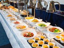 【アジアンブッフェ/朝食】アジア各国の料理や「龍宮」自慢の点心、杏仁豆腐などデザートも充実