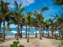 【カヌチャビーチ】青い海、白い砂浜でたっぷりと南国リゾートを満喫