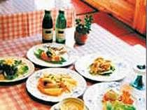 [写真]形式にこだわらない洋風家庭料理は和風や中華も織りまぜてて。。。