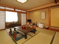 和室一例/足を伸ばしてのんびりできる和室。ほのかに薫る井草の香りも魅力の一つ。