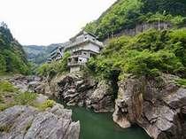 賢見温泉(世界の吉野川で KENMIラフティング) (徳島県)