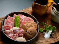 プラン特典:豊後牛と冠地鶏と大分産椎茸の鉄板焼き