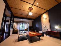 特別室『かをり』 広々とした客室。お食事はこちらでご用意致します。