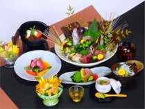 美味しさをそのままに、量を控えめにした熊野灘会席(写真はイメージです)