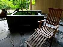 ■部屋■源泉掛け流しの「藤末葉」の専用露天風呂