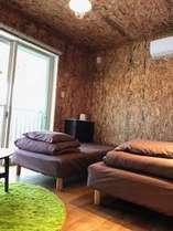 2階のベランダ付のツインのお部屋。