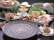 ◆夕食:日間賀島は「ふぐの島」と呼ばれるくらい上質なふぐが揚がります。